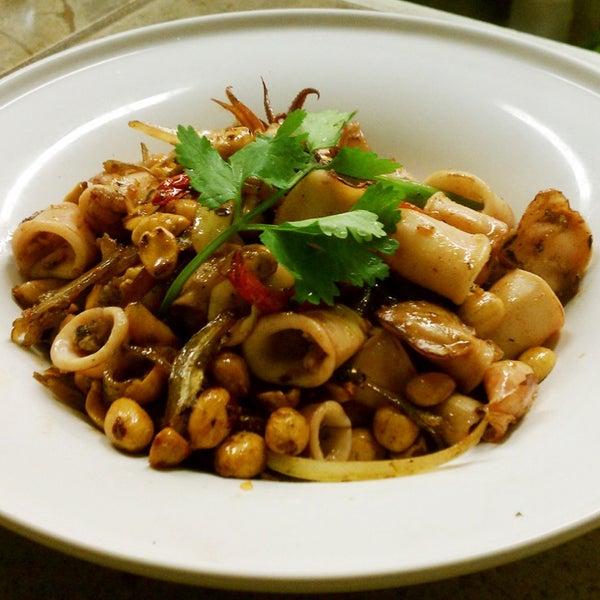 Foto tomada en Falansai Vietnamese Kitchen por Katja S. el 1/18/2014