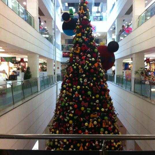 11/4/2012 tarihinde Rafael M.ziyaretçi tarafından Shopping Tijuca'de çekilen fotoğraf