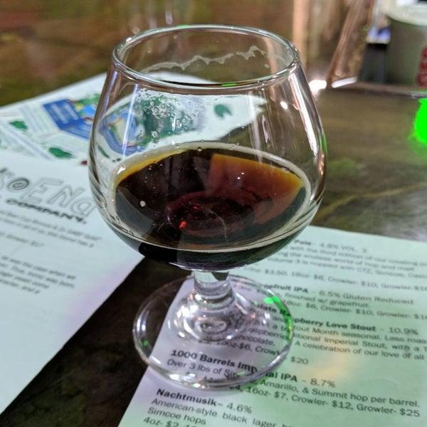 Das Foto wurde bei Strange Craft Beer Company von charles b. am 5/5/2019 aufgenommen