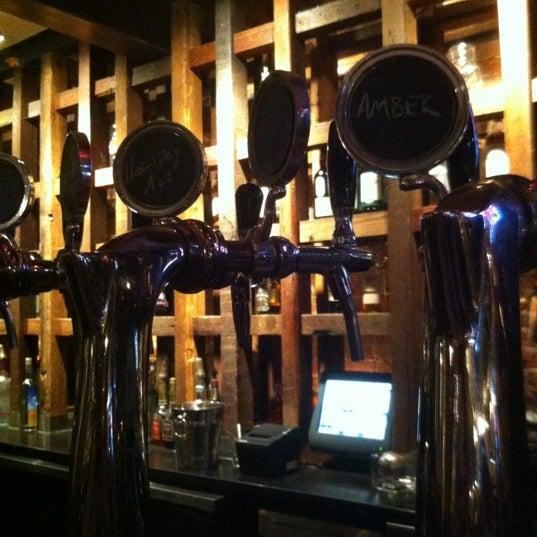 11/30/2012 tarihinde Bill 🇺🇸ziyaretçi tarafından Triumph Brewing Company'de çekilen fotoğraf