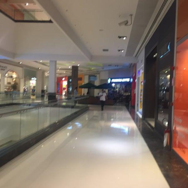 Foto tirada no(a) Parque Shopping Maia por Kaue S. em 7/3/2018