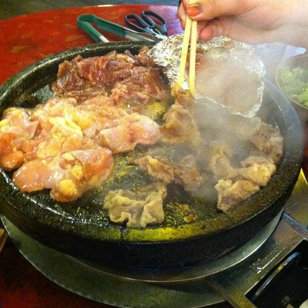 Foto scattata a Hae Jang Chon Korean BBQ Restaurant da Andy M. il 1/14/2013