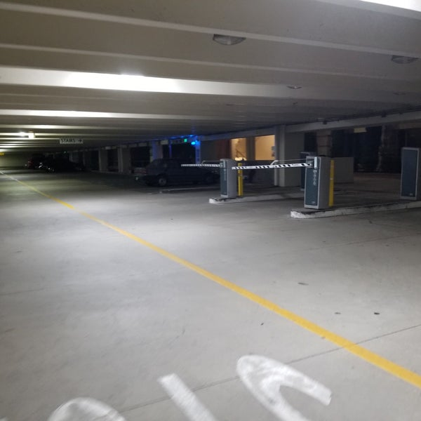 UCLA Parking Structure 9 - Parking in Los Angeles