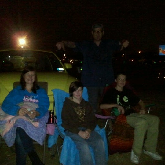 Foto tomada en Starlite Drive-In Theatre por Chauntel E. el 9/16/2012