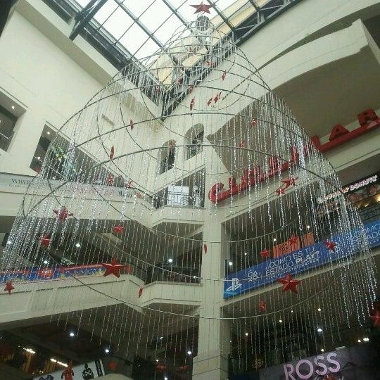 Foto diambil di Atlantis Plaza oleh Carlos M. pada 11/15/2012