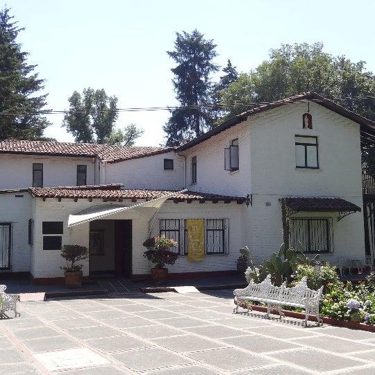 El Museo Nacional de la Acuarela, fue fundado en el año de 1967, por el Maestro Alfredo Guati Rojo, quién dedicó su vida a la difusión del arte del agua. ENTRADA LIBRE. COSTO POR TOMAR FOTOS $50.00