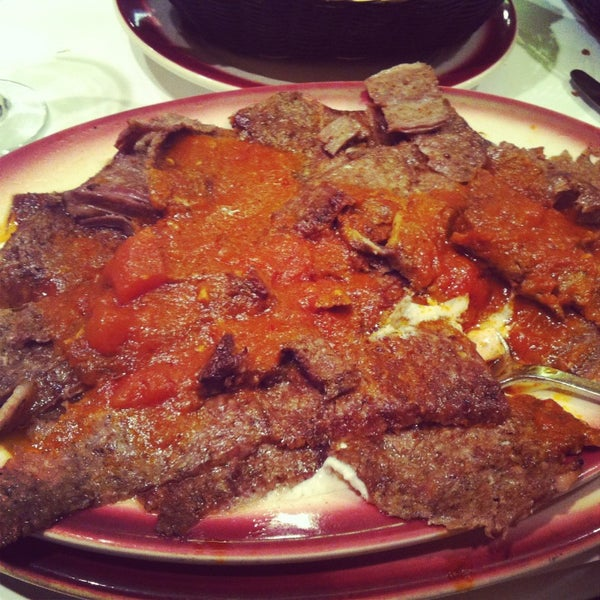 Das Foto wurde bei Taci's Beyti Restaurant von Jackie S. am 1/13/2013 aufgenommen