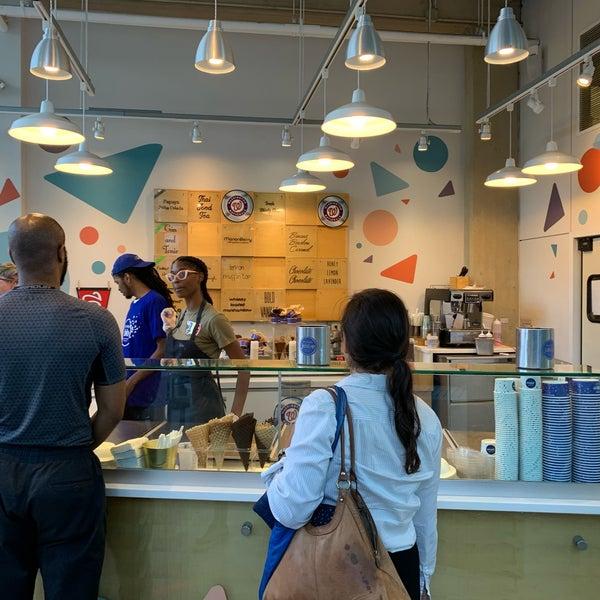 6/21/2019에 Alex💨 R.님이 Ice Cream Jubilee에서 찍은 사진