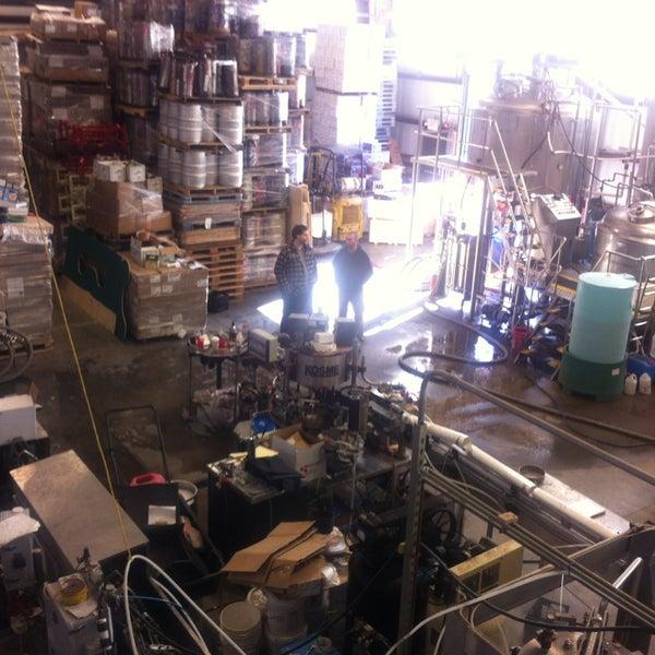 Das Foto wurde bei Newport Storm Brewery von Jessica G. am 3/9/2013 aufgenommen