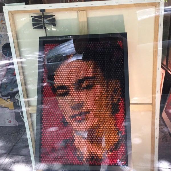 Foto diambil di Tinta Naranja Urban Gallery oleh Ana C. pada 7/23/2016