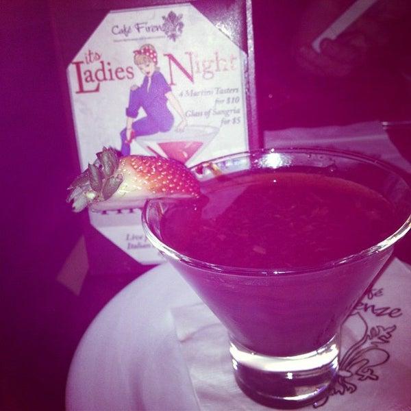 Photo prise au Cafe Firenze par Diane le11/24/2012