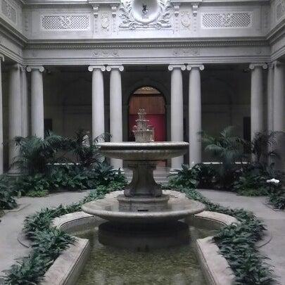 11/21/2012 tarihinde Sabrina T.ziyaretçi tarafından The Frick Collection'de çekilen fotoğraf