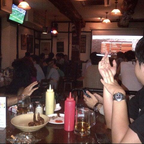 Foto tomada en Die Stube German Bar & Resto por Alwin R. el 6/1/2013