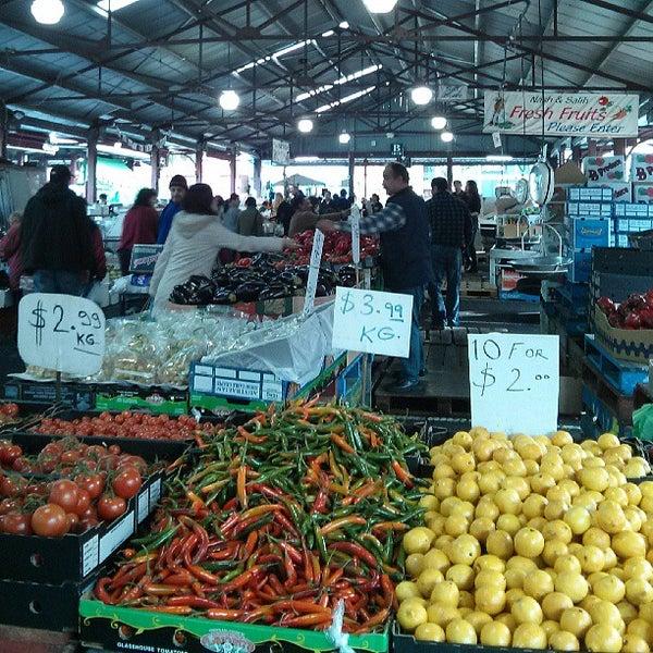 Foto diambil di Queen Victoria Market oleh Bruce R. pada 7/12/2013
