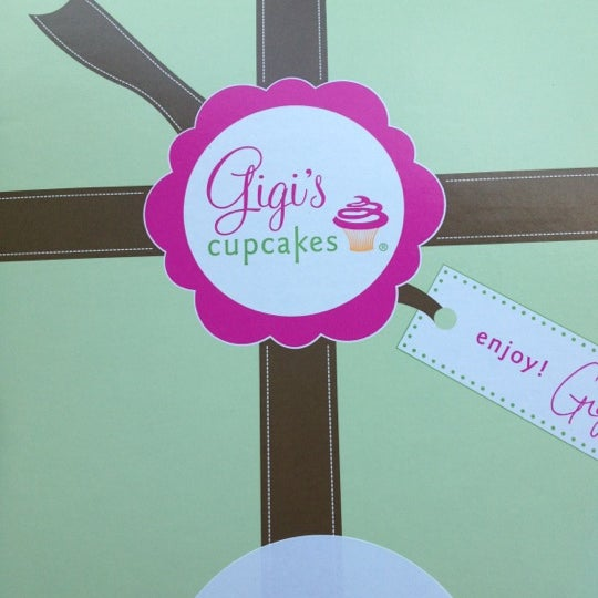 10/11/2012 tarihinde Chelsea W.ziyaretçi tarafından Gigi's Cupcakes'de çekilen fotoğraf