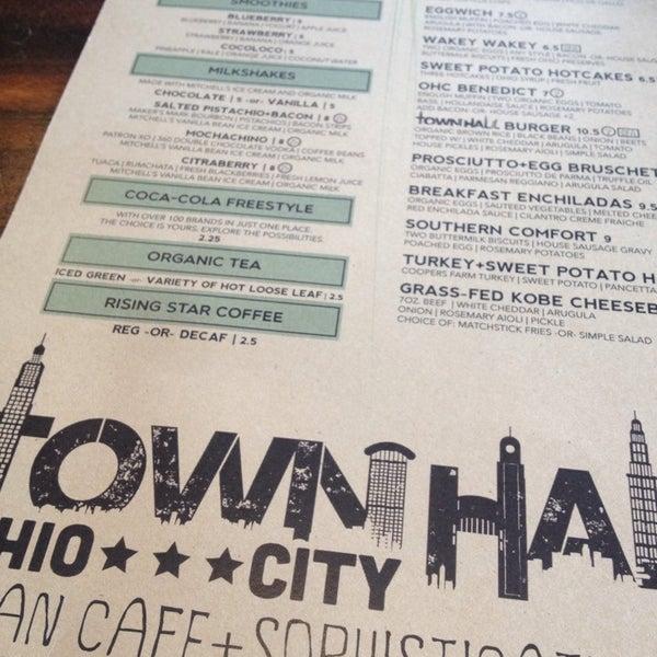 Foto diambil di TownHall oleh amanda v. pada 6/9/2013
