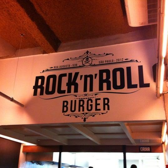 11/3/2012 tarihinde Flavio A.ziyaretçi tarafından Rock 'n' Roll Burger'de çekilen fotoğraf