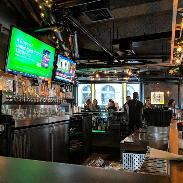 12/20/2018にTucker H.がWarehouse Bar & Grillで撮った写真