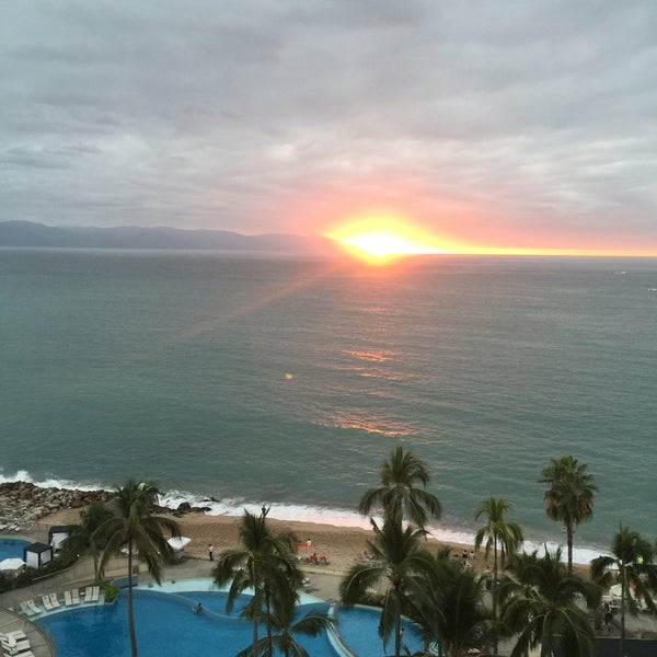 Foto tomada en Sunset Plaza Beach Resort & Spa por Claudia G. el 3/3/2016
