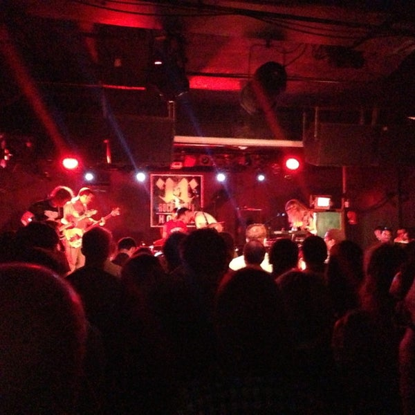 Foto tomada en Rock & Roll Hotel por Bob V. el 7/28/2013