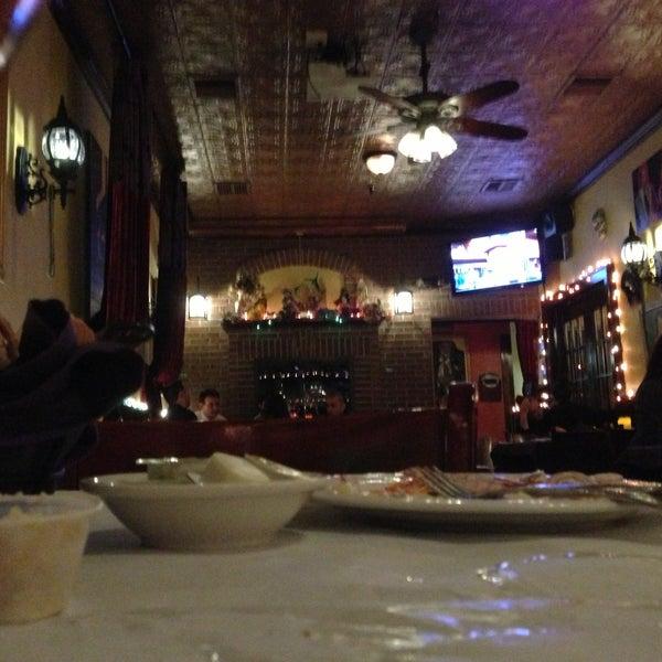 Foto scattata a Bourbon Street Restaurant and Catering da Anderson P. il 4/20/2013