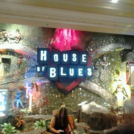 Снимок сделан в House of Blues пользователем Tony L. 10/7/2012