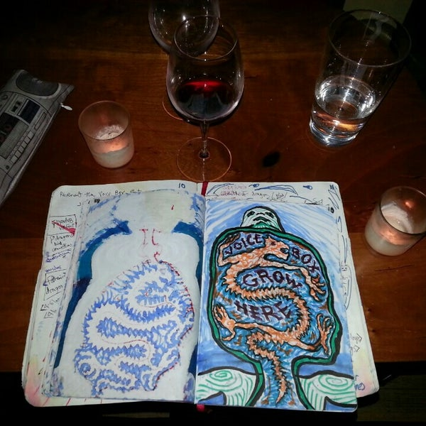 Foto scattata a Stonehome Wine Bar & Restaurant da Noah @Noah_Xifr X. il 4/15/2015