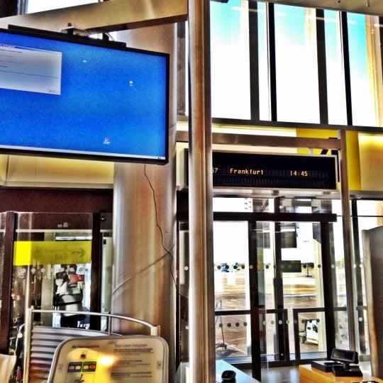 Foto tirada no(a) Terminal A por Heiko H. em 11/22/2012