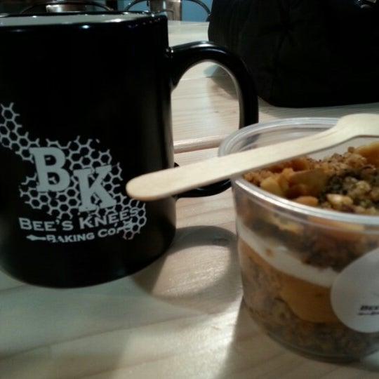รูปภาพถ่ายที่ Bee's Knees Baking Co. โดย Jack C. เมื่อ 3/17/2013