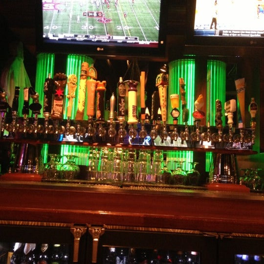 Foto scattata a Timothy O'Toole's Chicago da JL J. il 10/24/2012
