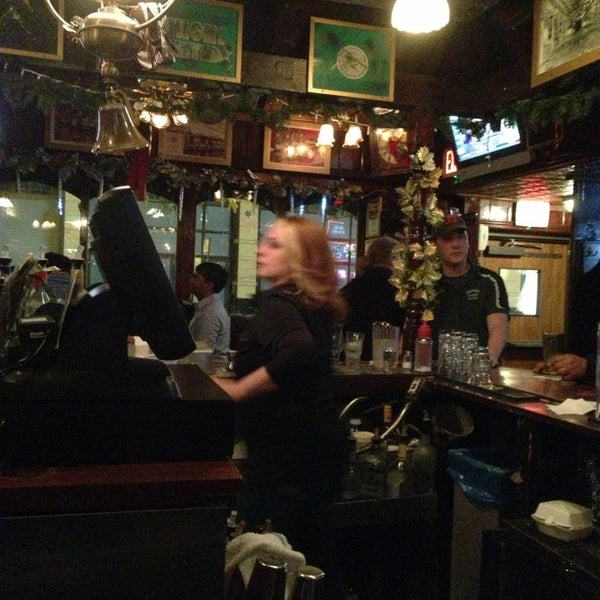 Foto diambil di Pippin's Tavern oleh JL J. pada 12/31/2012