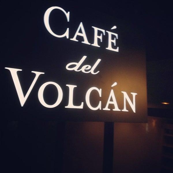 Снимок сделан в Café del Volcán пользователем Yifei W. 6/10/2013