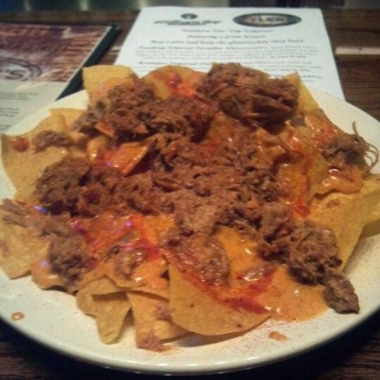 รูปภาพถ่ายที่ Tyler's Restaurant & Taproom โดย Jesica B. เมื่อ 1/23/2013