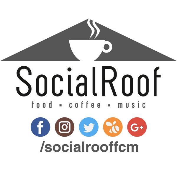 Das Foto wurde bei Social Roof FCM Cafe von Social Roof FCM Cafe am 3/2/2017 aufgenommen