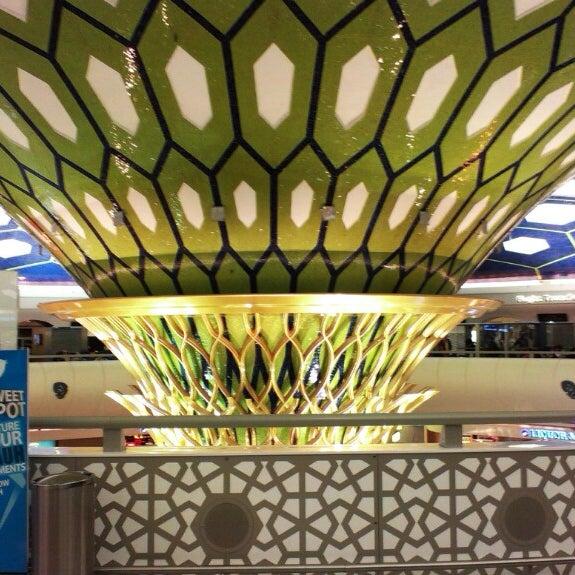 Photo prise au Abu Dhabi International Airport (AUH) par Robert J. le5/27/2013