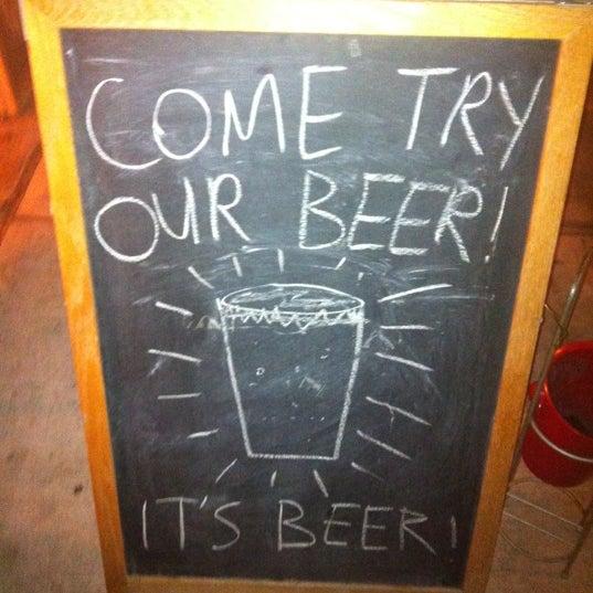 Das Foto wurde bei Alphabet City Beer Co. von Davis A. am 12/4/2012 aufgenommen
