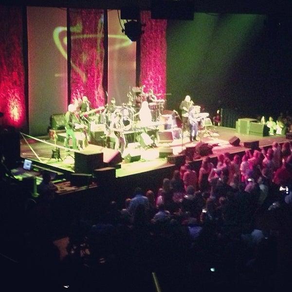 Das Foto wurde bei Austin City Limits Live von Happy M. am 5/27/2013 aufgenommen