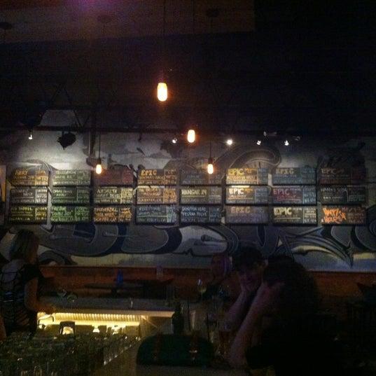 9/30/2012 tarihinde Jason M.ziyaretçi tarafından District 13'de çekilen fotoğraf