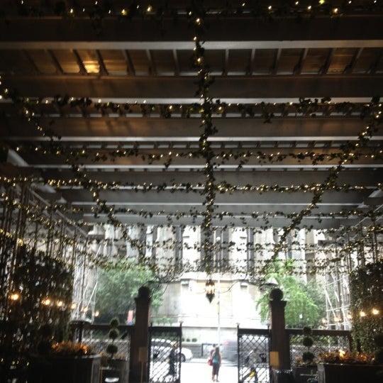 Foto scattata a Lotte New York Palace da Kristina S. il 9/14/2012