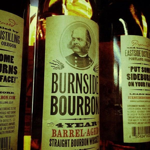 Foto tomada en Eastside Distilling por Patrik A. el 9/15/2012