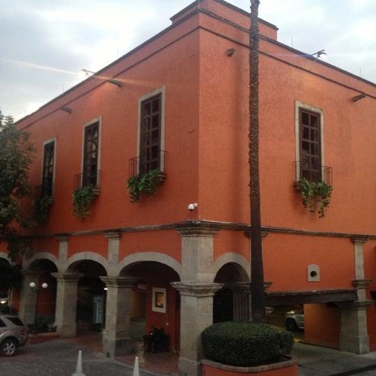 รูปภาพถ่ายที่ Hacienda de Los Morales โดย Ana A. เมื่อ 10/23/2012