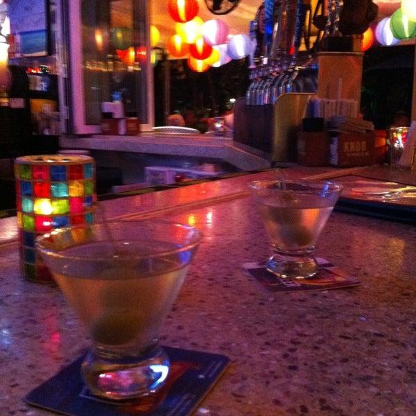 Photo prise au Rosie's Bar & Grill par Ryan M. le3/22/2013