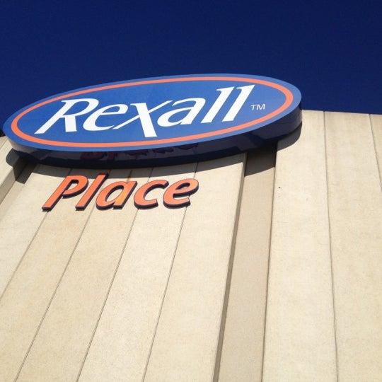 9/30/2012 tarihinde Chris L.ziyaretçi tarafından Northlands Coliseum'de çekilen fotoğraf