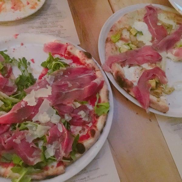 Foto scattata a Pizzeria Il Fico da Lybee B. il 6/11/2017