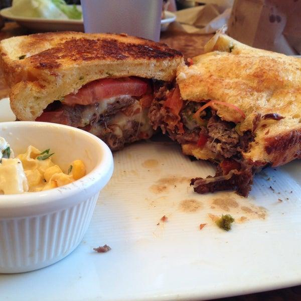 Foto tomada en Carnitas' Snack Shack por Kari S. el 3/12/2013