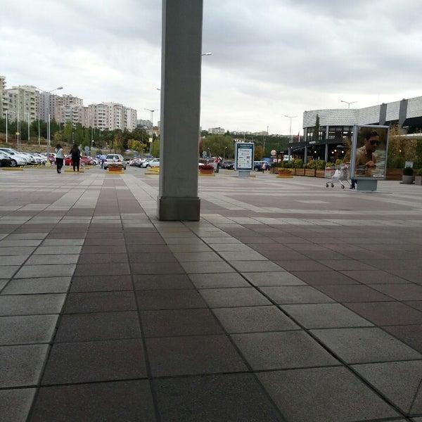 Das Foto wurde bei Bilkent Center von 🇦 🇱 🇮 . am 9/17/2013 aufgenommen