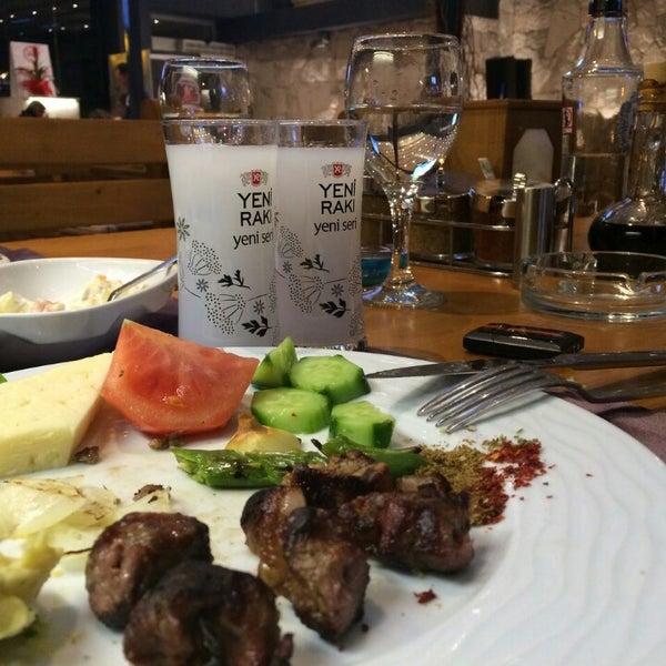 Das Foto wurde bei Pirzola Steak House von Kaan D. am 2/22/2015 aufgenommen