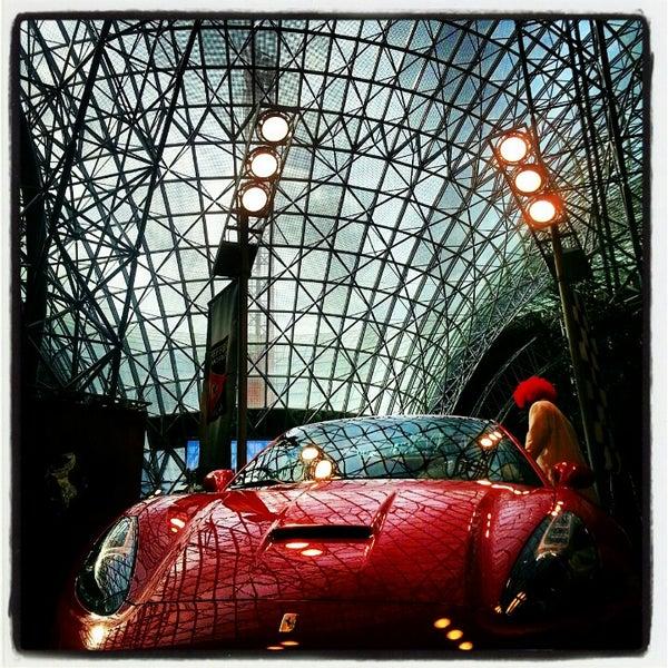 Foto tomada en Ferrari World Abu Dhabi por Bharat D. el 1/15/2013