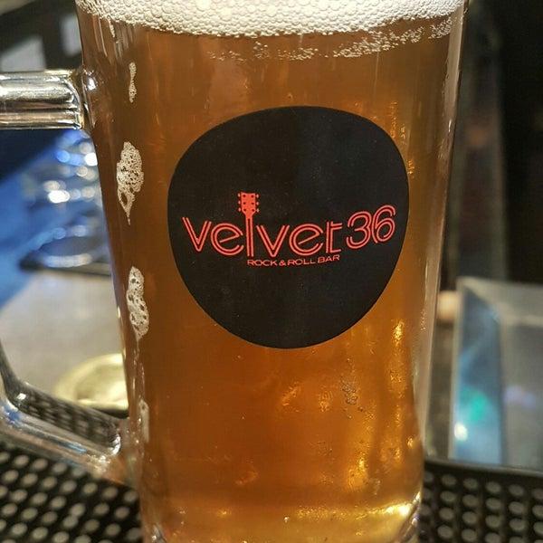 Foto diambil di Velvet36 Rock'n Roll Bar oleh Marco A. pada 4/10/2018