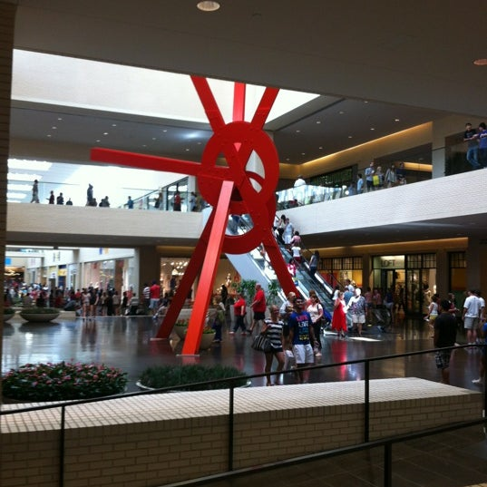 7/4/2012 tarihinde Damian B.ziyaretçi tarafından NorthPark Center'de çekilen fotoğraf